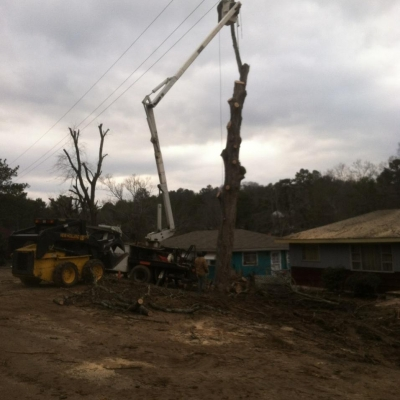 Lift Truck - On Call Tree Service - Chattanooga Tree Service, Pruning, and stump removal